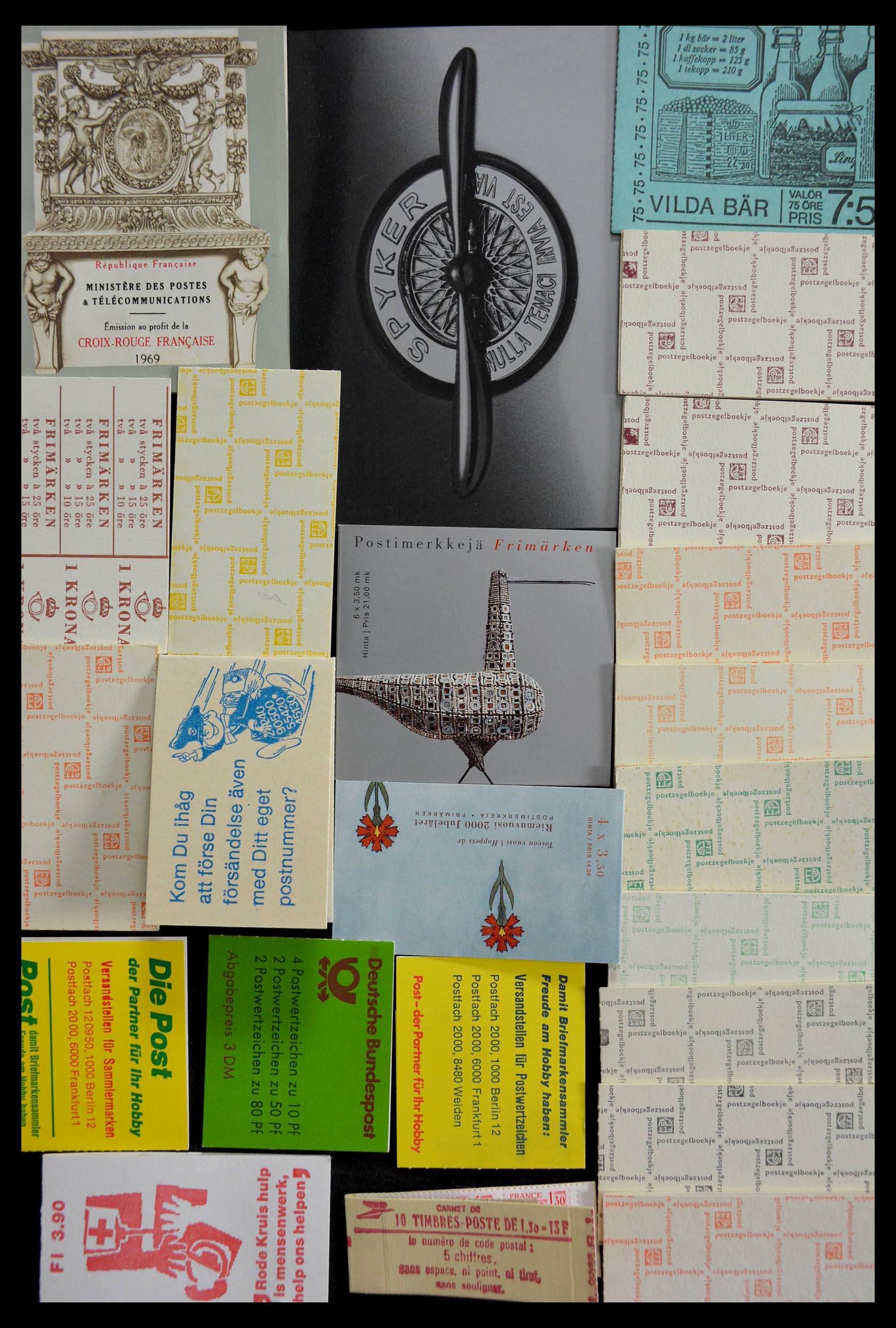 28824 020 - 28824 West Europa postzegelboekjes t/m modern.