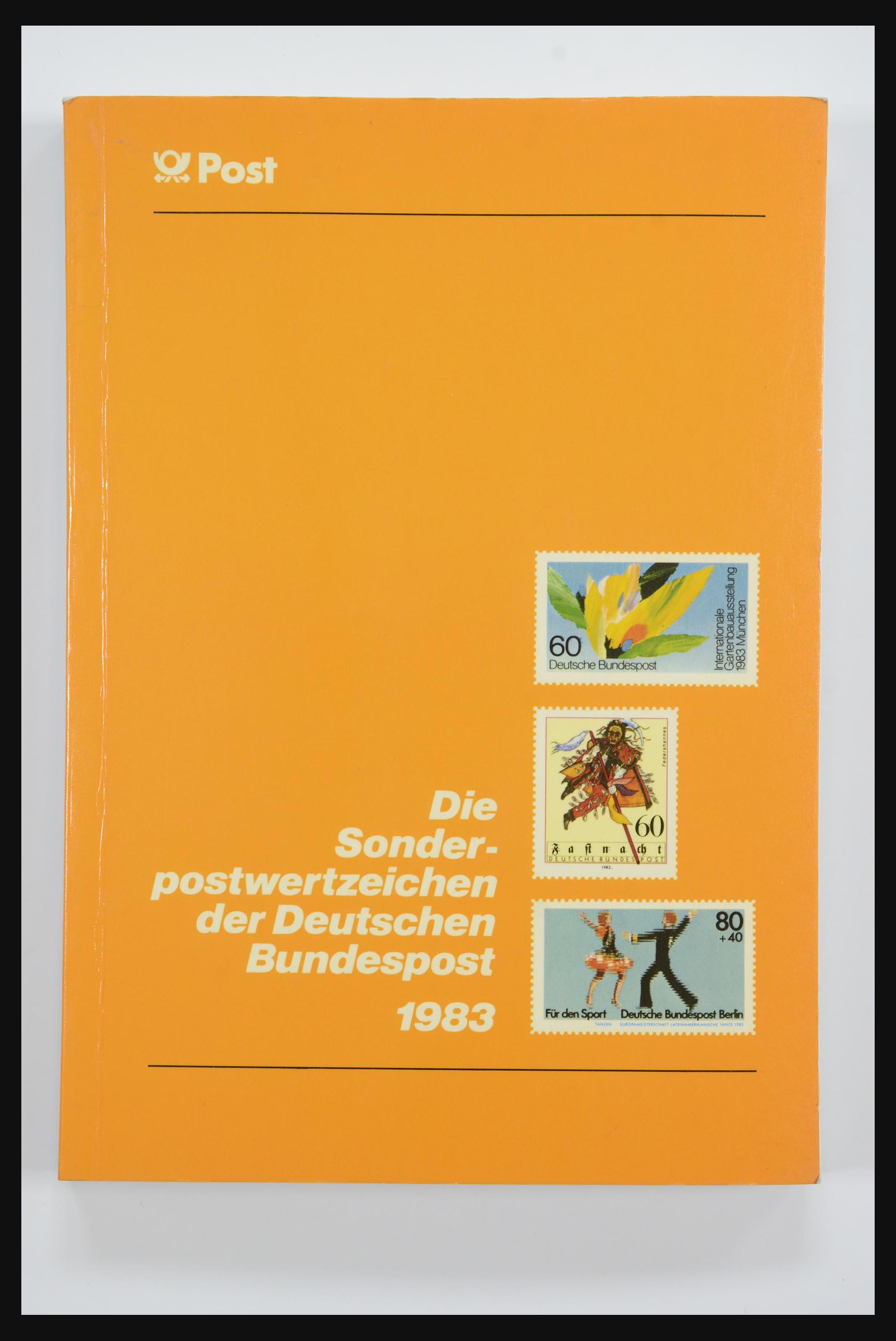 31834 011 - 31834 Bundespost yearbooks 1973(!)-1999.
