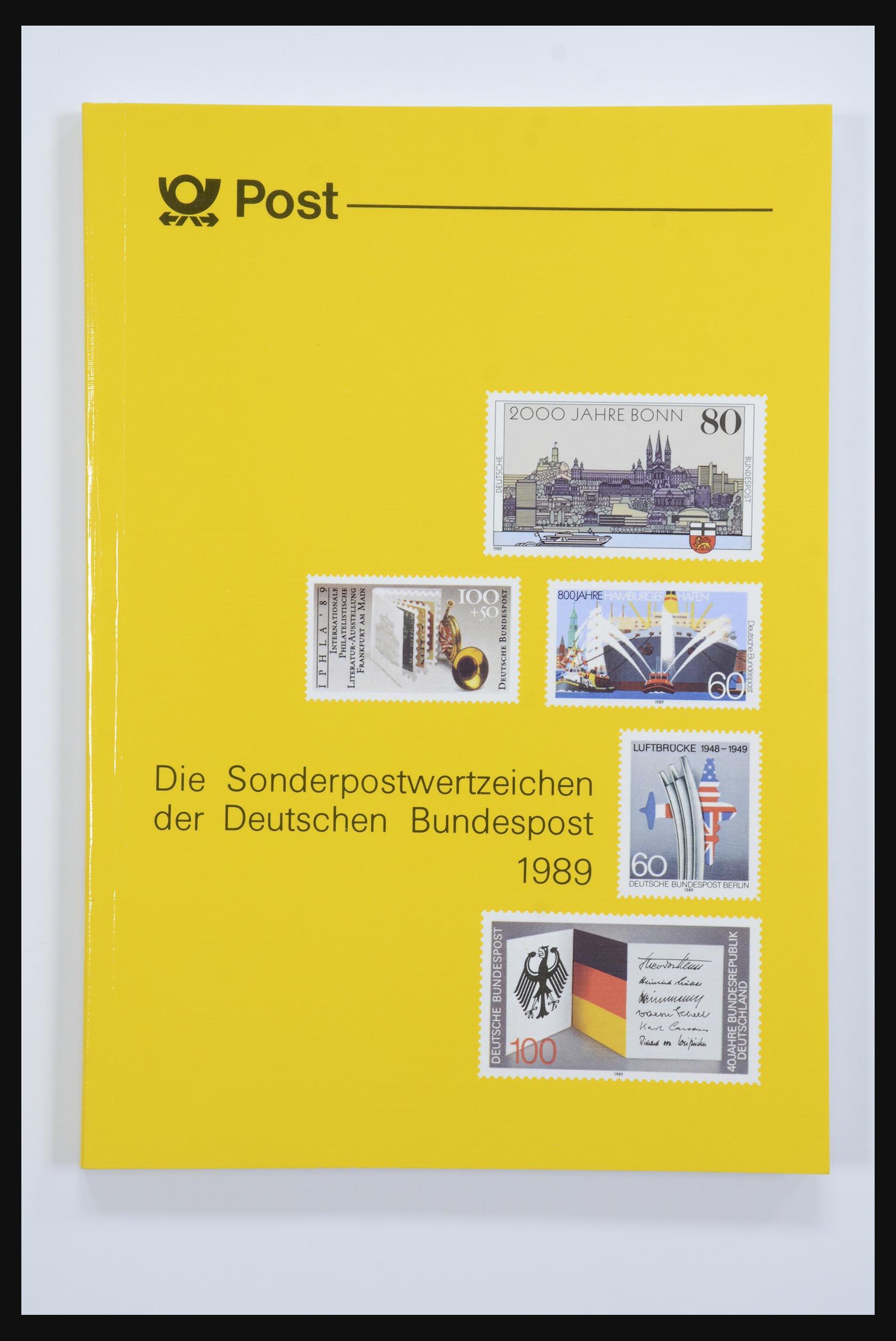 31834 017 - 31834 Bundespost yearbooks 1973(!)-1999.