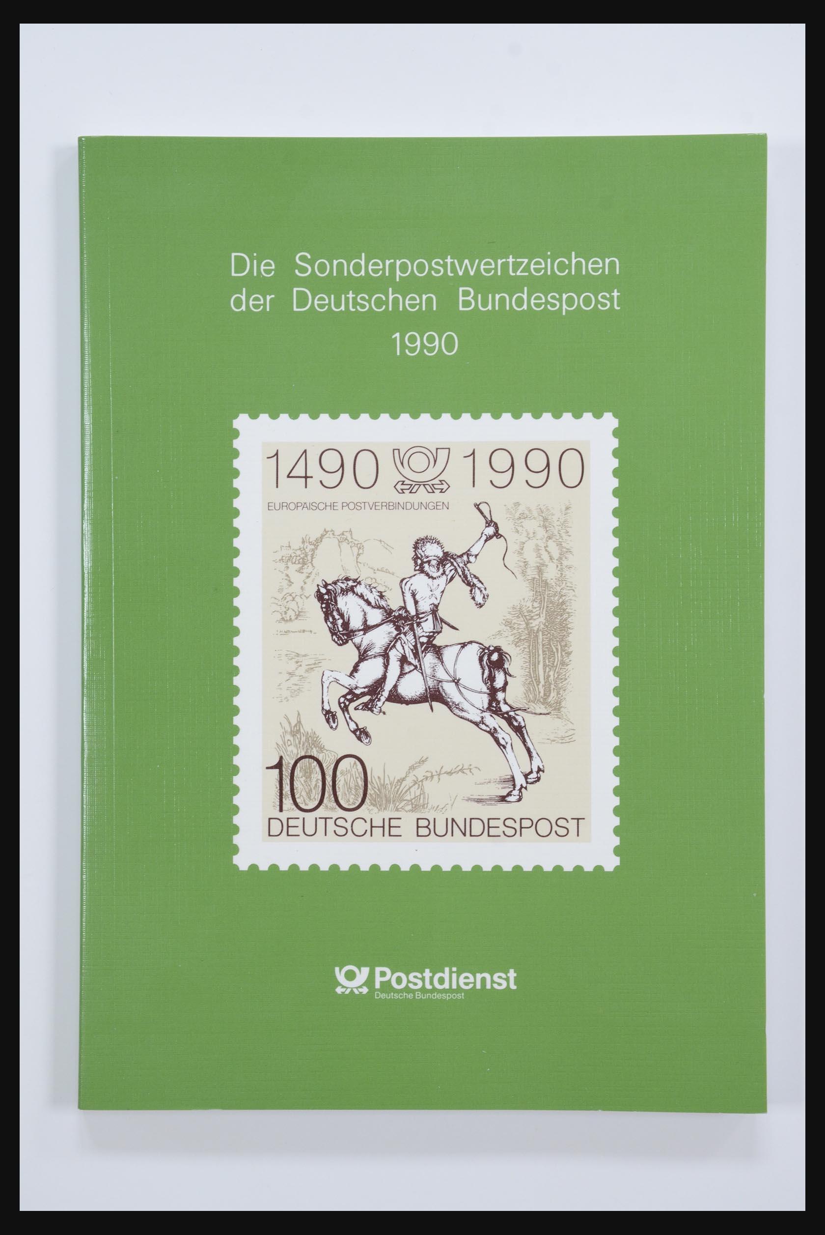 31834 018 - 31834 Bundespost yearbooks 1973(!)-1999.