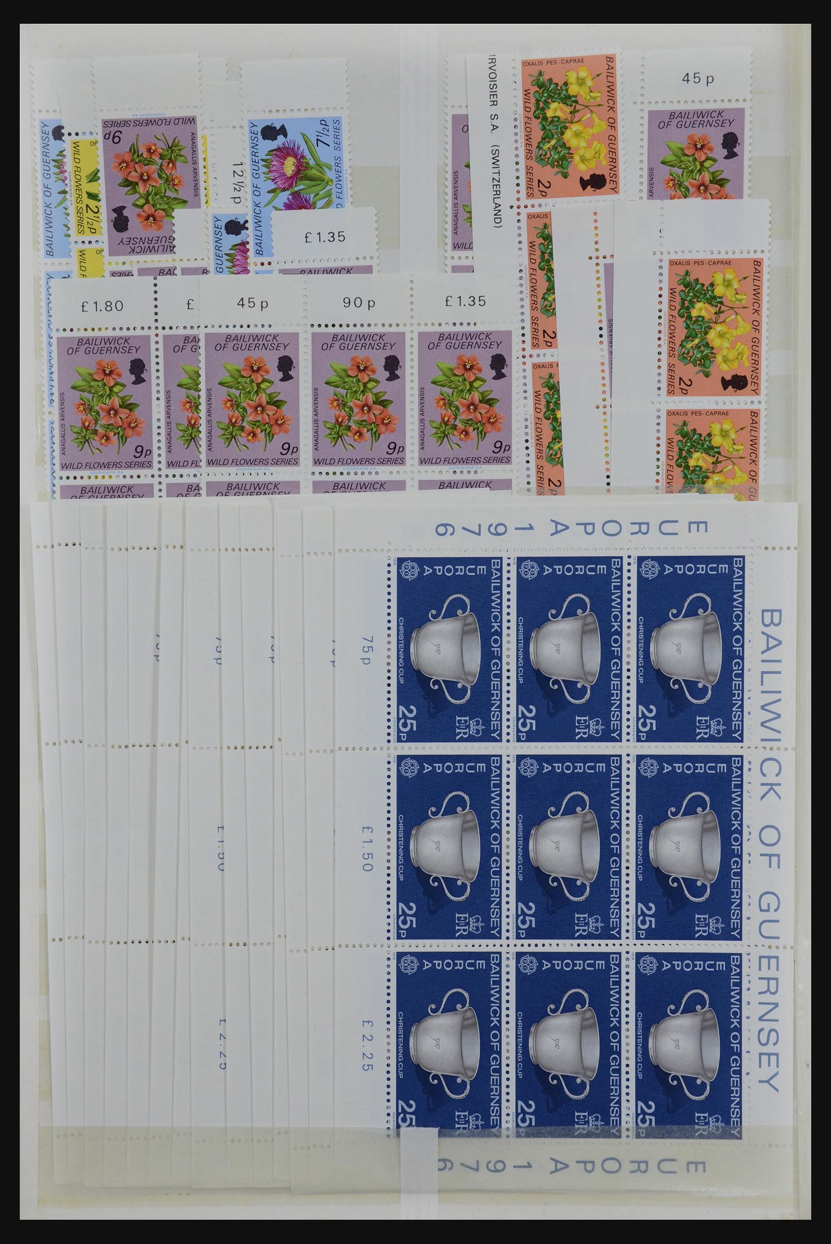 32180 002 - 32180 Guernsey 1972-1992.