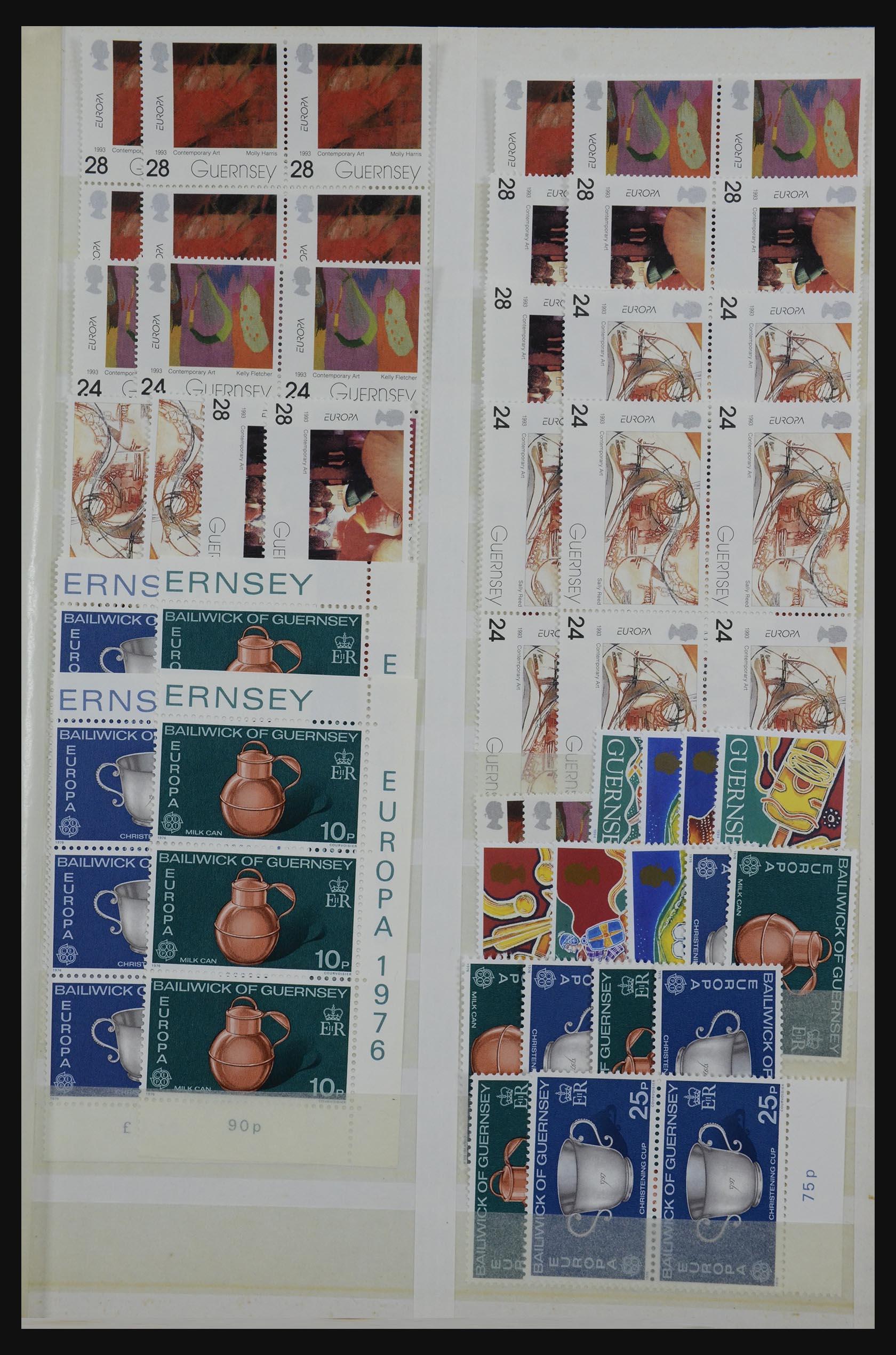 32180 005 - 32180 Guernsey 1972-1992.
