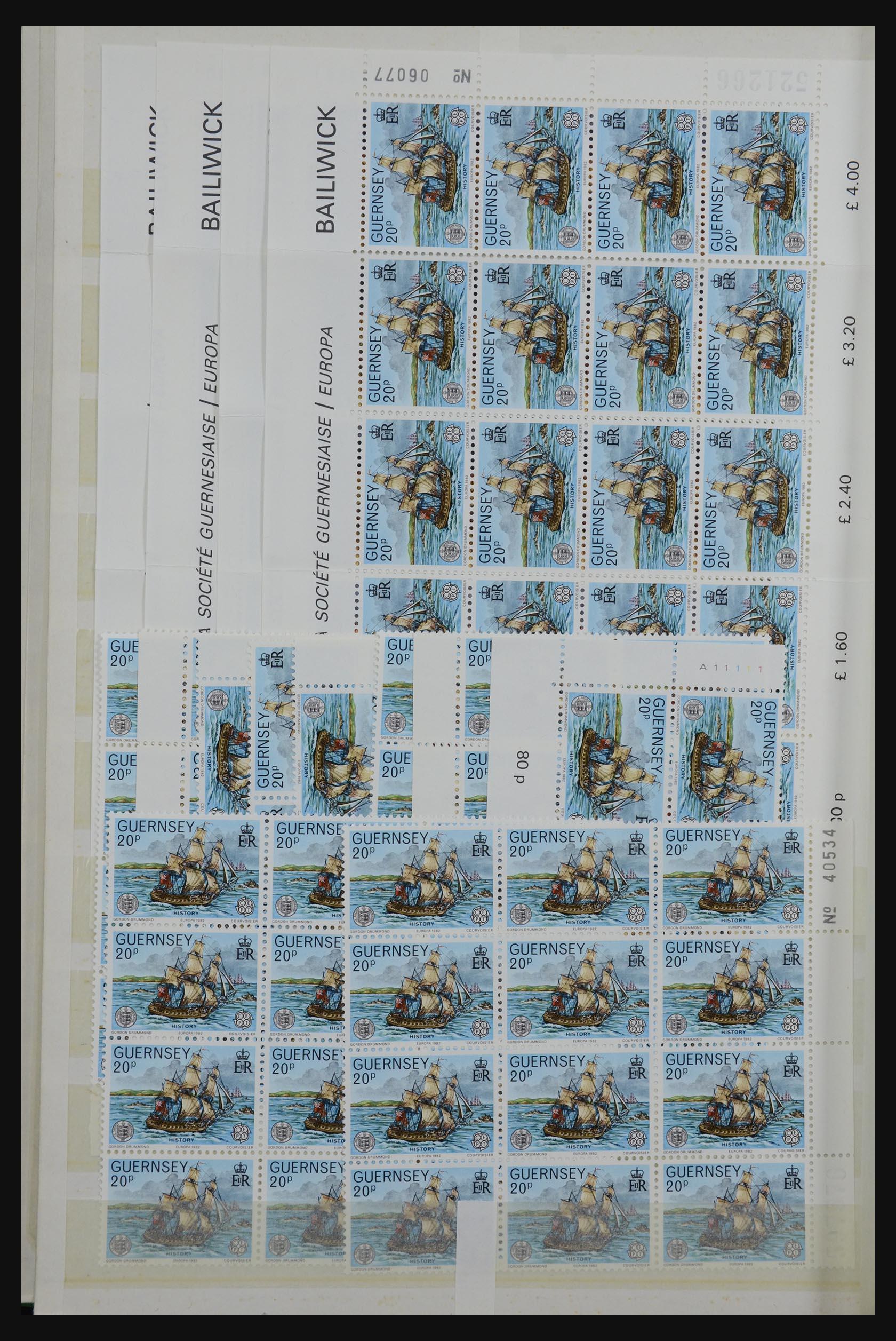 32180 012 - 32180 Guernsey 1972-1992.