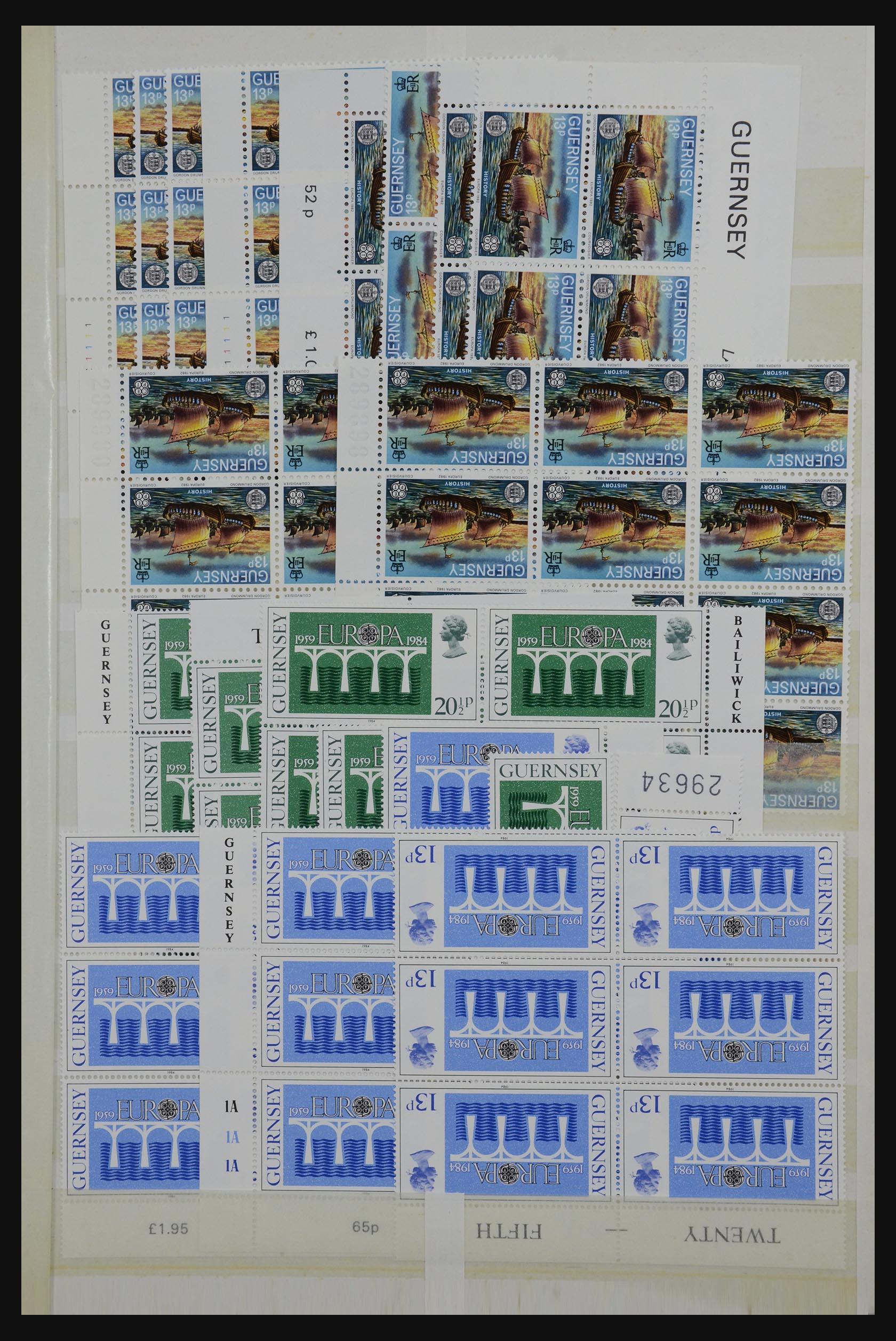 32180 013 - 32180 Guernsey 1972-1992.
